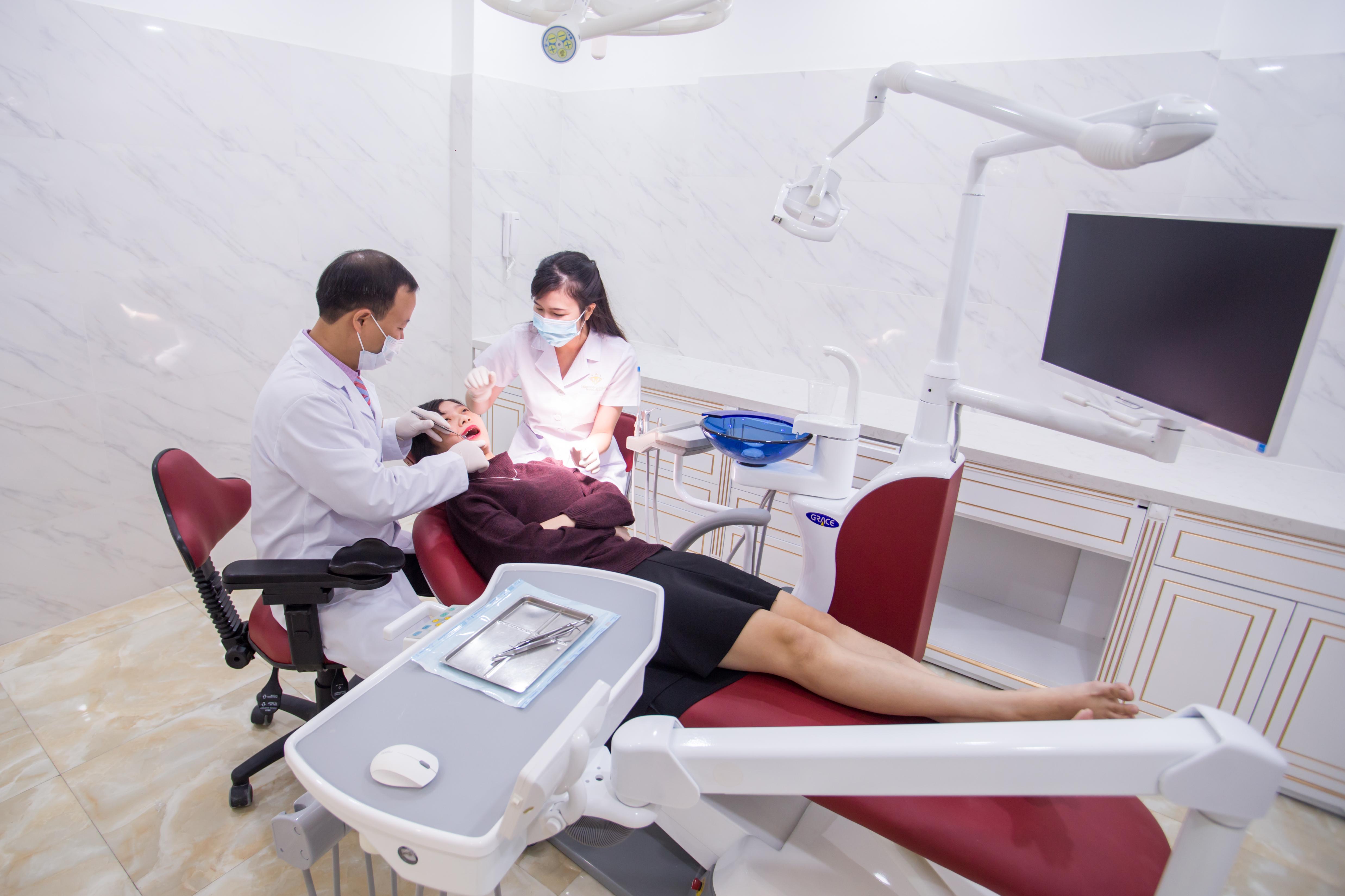 Bọc răng sứ có hại gì không 2