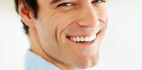 Thực hiện dịch vụ bọc răng sứ thẩm mỹ – có nên hay không ?