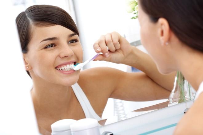 cách bảo quản răng sứ 3