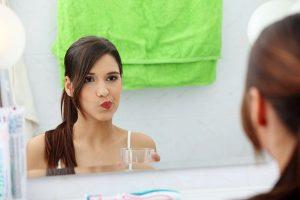 Đánh răng xong có nên súc miệng 2?