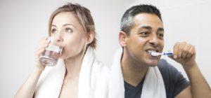 Đánh răng xong có nên uống nước?