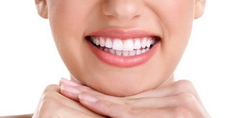 Có nên bọc răng sứ cho răng sâu 2