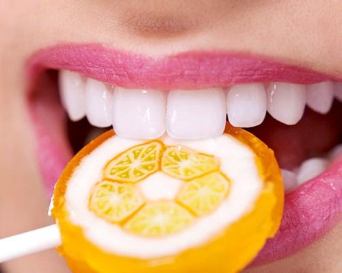 Bọc răng sứ không kim loại 2