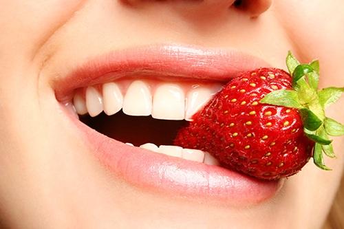 Răng thưa có nên bọc sứ