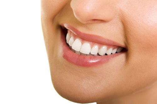 Cách khắc phục răng bị mẻ 2