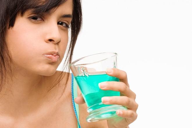 Cách bổ sung Fluor cho răng tại chỗ