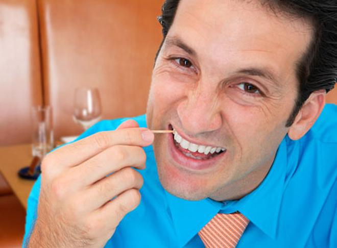 Thói quen xỉa răng