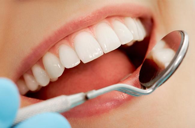 làm răng sứ rẻ