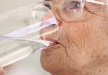 Tại sao bị khô miệng >>>> Giải đáp chính xác nhất từ chuyên gia